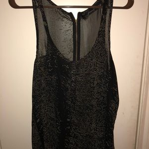 Tops - Beautiful black shear tank top with gold sparkles